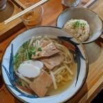 127901148 - 沖縄そば(大)平打麺のじゅーしぃセット