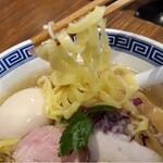 だし廊 - 麺リフト