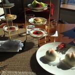 中国料理 皇苑 - 三段デザートと誕生日祝いの桃
