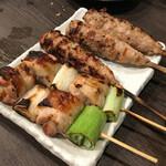 炭火串焼 鶏次 - 串盛 :ネギまとつくね