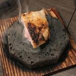 炭火串焼 鶏次 - 焼石で2度焼き