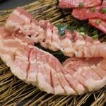 金城苑 - ・「豚バラ(¥880)」