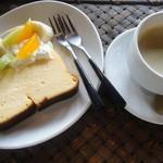 シマダ輪店 - チーズケーキとコーヒー