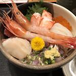 うおとら - 海鮮丼ランチ1300円