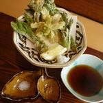 貴匠庵 - 天然の春野菜と蕎麦コース:天然の山菜天麩羅