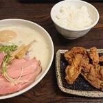 麺飯食堂 三羽鴉 - 料理写真: