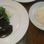 洋食や なかむら - 洋食セットのメイン ハンバーグステーキデミグラスソース