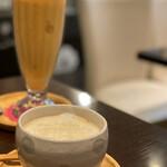 イヴ カフェ - ミックスジュースと