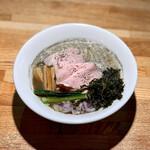 麺屋 日出次 - 料理写真:背脂煮干(900円)
