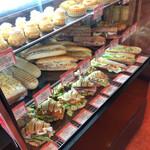 オンコー アン マタン - サンドイッチも充実!
