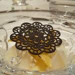 Gentil H - ホワイトアスパラのムースリーヌにホタルイカのパテ