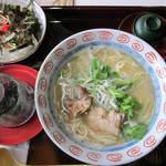赤猫 - 料理写真:ダサイ中華そばと小ぶり丼
