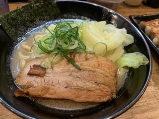 麺屋えびす - 醤油豚骨ラーメン 800円