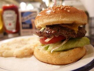ウーピーゴールドバーガー - ウーピーゴールドバーガー + ドリンク 1300円