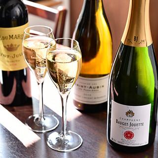 ワインだけでなく日本酒とのペアリングも人気。