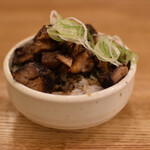 麺や 七彩 - ちゃーしゅー飯