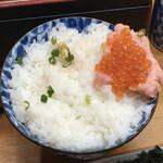 深川つり舟 - 特上海鮮丼2,625円、見よこのご飯の量!