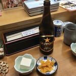 深川つり舟 - 瓶ビール@660円、ランチに付く小鉢