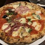 ピッツェリア チーロ - ピザ4種ミックス