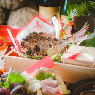 お祝い事に寿鯛・祝い酒をご用意しております