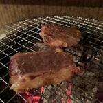 炭火焼肉 ゴン太 - 霜降りカルビ
