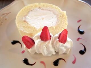 グランディール - 週末限定ロールケーキ