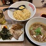 ガガナ ラーメン - ホルモンつけ麺+特製盛(880円+LINEクーポン)