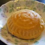 クルド家庭料理 手芸カフェ メソポタミア - クルミ入り焼き菓子