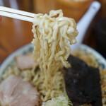 ケンちゃんラーメン - 麺の迫力に圧倒されてはいけません(あっという間に圧倒されました〜)