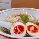 麺処もみじ - 醤油ラーメン+味玉