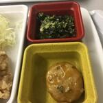 食彩工房 - 料理写真:つくねとほうれん草の胡麻和え