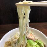 コトホギ - 麺リフト。平打ち麺