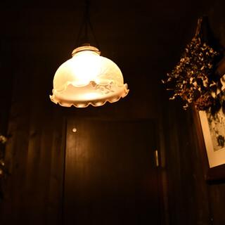 夜は隠れ家的ビストロBAR★自家製スモークは必食です!
