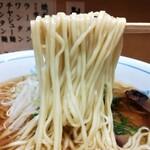 128055712 - ワンタン麺 麺リフト