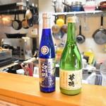 直会スタンド 宮 - にごり酒は冬に人気のお酒。