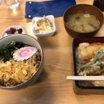 蕎麦ダイニング 喜楽庵 纔 - 料理写真:半たぬきそば・半イカ天丼 850円
