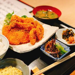 和食店による本格派ランチが好評!ちょい飲みもお気軽に…