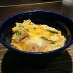 128072533 - 軍鶏の親子丼1,000円(税別)=1,100円(税込) 202003
