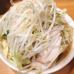 ラーメン二郎 - 小ラーメン(790円), ヤサイ・ニンニク