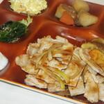 めしの駅 おはや - 料理写真:田原ポーク生姜焼き定食(うどんか豚汁)4デリ付き