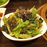 SATOブリアン - 白胡麻と海苔のサラダ