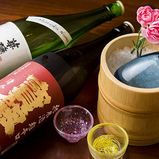 広島の地酒と、全国の銘酒を五感でじっくりとご堪能ください