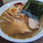 三四郎 - 味玉魚介豚骨正油 ¥880