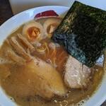 三四郎 - 味玉魚介豚骨正油  ネギ抜きです。