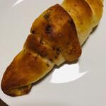 ドロシー - 料理写真:塩角(しおつの)パン   110円なり