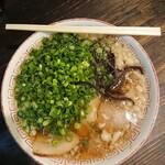 勝十銭 - チャーシュー平打ち麺