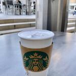 スターバックス コーヒー - ほんのりピンク色