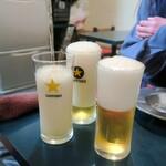青角 - ドリンク写真:天空ビール注ぎ中