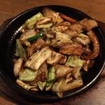 高砂游心 - ホルモン鉄板焼き(味噌味)