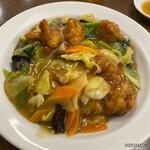 蓬莱 - 料理写真:鶏球飯